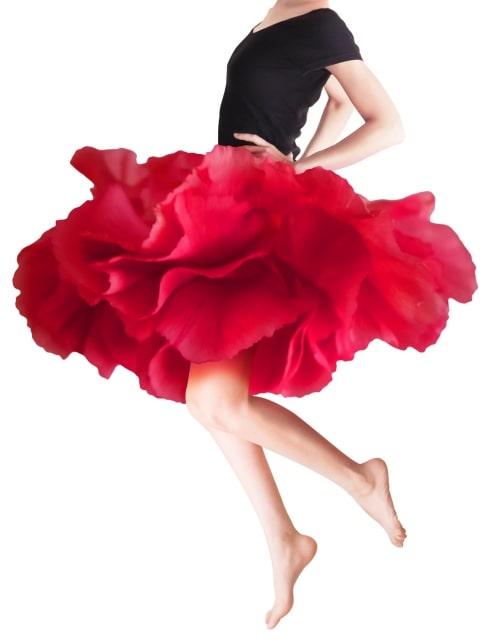 【50代でも】赤い色のパワー授受!おすすめ7選【あえて着る赤】